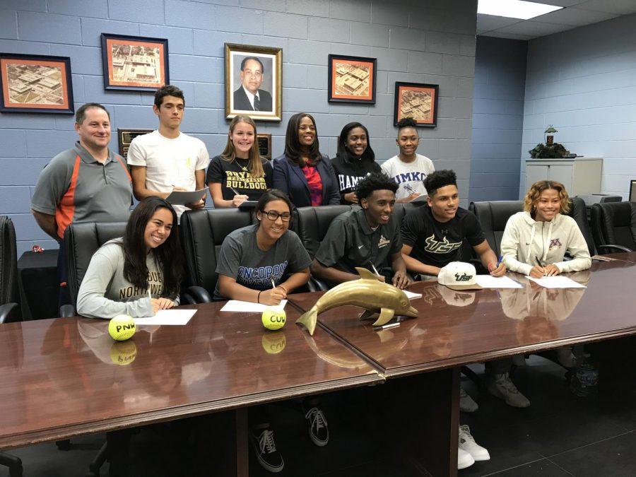 Senior athletes sign to college